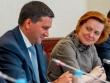 Почему опускаются губернаторы Дмитрий Кобылкин и Наталья Комарова. «С имиджем отца-благодетеля придется распрощаться…»