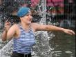 Наталью Комарову окунули в «Голубое озеро»