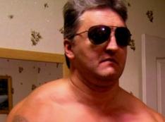 Стероидный наркоман! Осторожно, по Екатеринбургу бродит уголовник Катников, под вывеской «Мебель фактор». ФОТО