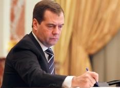 Приемная Дмитрия Медведева завалена жалобами на уральского единоросса Виктора Шептия: имитирует партийную работу, на деле погряз в коррупции…
