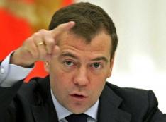 Виктор Шептий, его жена Света и их друзья в приятном деле… Известный единоросс встречает Дмитрия Медведева скандалом с групповой коррупцией. ПОДРОБНОСТИ