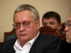 Неудачно сходил за помидорами. Член ЦК КПРФ Виктор Валеев потерял депутатское кресло