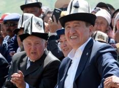 Родственник за родственника. Вся киргизская рать увязла в «очаге демократии»
