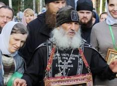Почему шамана Габышева закрыли в психушку, а убийце Сергию, призывающему Путина сдать власть, всё дозволено?