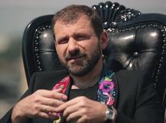 Миллиардера Рыбакова и башкирского главу Хабирова вписали в алкогольно-офшорный паноптикум