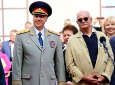 Когда намылят Михалкову. «Проныра» Бесогон путает личное и государственное?
