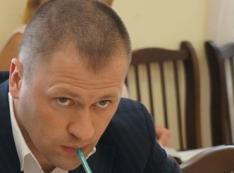 Паслер торжествует! Жители жалуются в Москву на проделки депутата Сергея Семеновых и его жены-депутатши