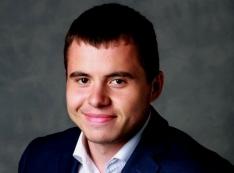 Студент-мажор, сын авторитета Александра Плотникова из «особых чувств» компьютеры попутал