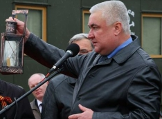 Олег Белозёров должен знать, до чего Алексей Миронов доведёт «Свердловскую железную дорогу»