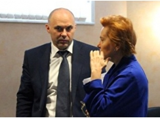 Наталья Комарова сдаёт учёных, но не 44-летнего «пацана с патронами» Андрея Филатова