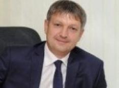 Мэр Дмитрий Попов распустил своего подчиненного Алексея Фокеева и расшатал жилищное строительство в Сургуте